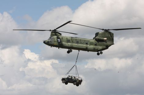 CH-47_D-106_load