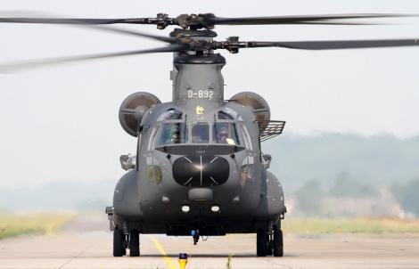 CH-47F_D-892