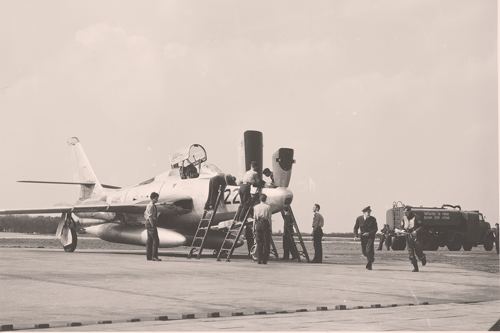 P-22_RF84F_Royal_Flusch_V
