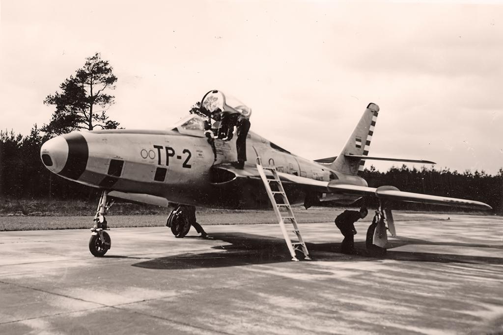 P-2_RF84F_Laarbruch_4-1956