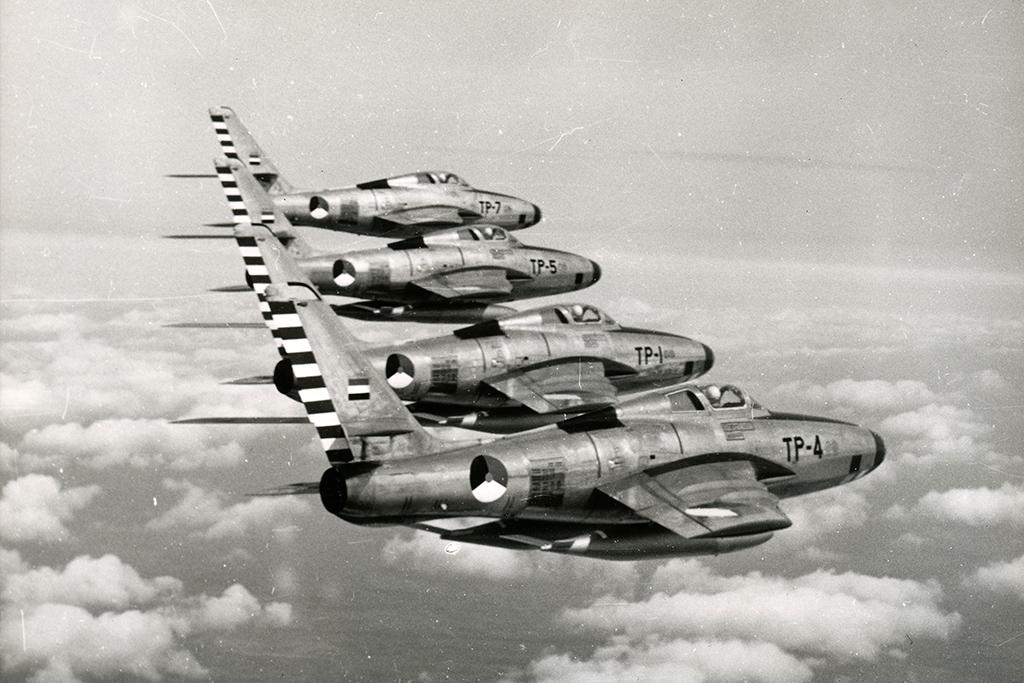 RF-84F_Formation